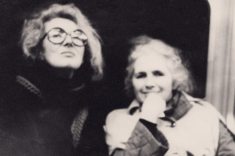 Angela Carter and Grace Paley on the Tube, c.1987 © Kate Webb